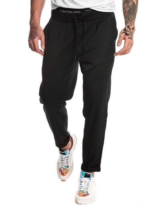 HALFON SLIM JOGGING PANTS IN BLACK