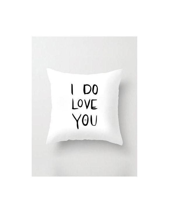 DO LOVE WHITE PILLOWCASE