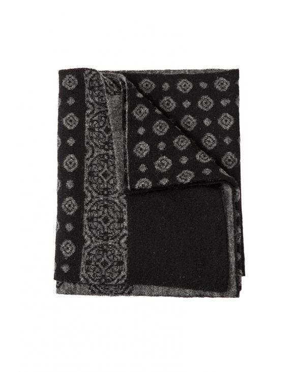 ATENA JACQUARD SCARF IN BLACK AND GREY
