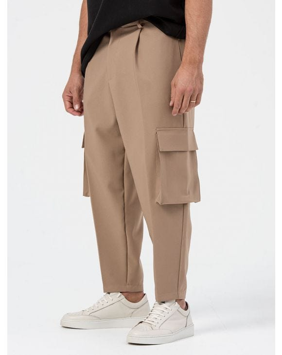 AUGUST CASUAL PANTS IN CAMEL