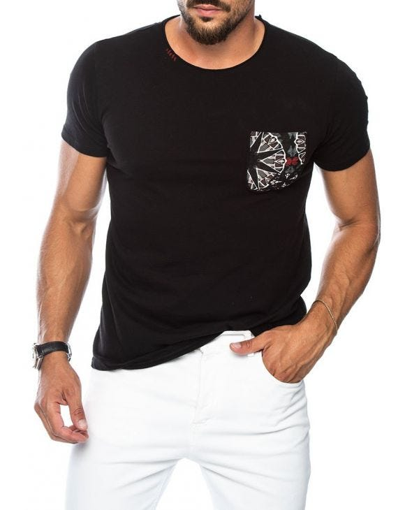 KAM POCKET T-SHIRT IN BLACK