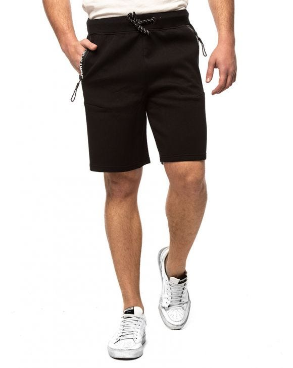 GYMTECH SHORTS IN BLACK
