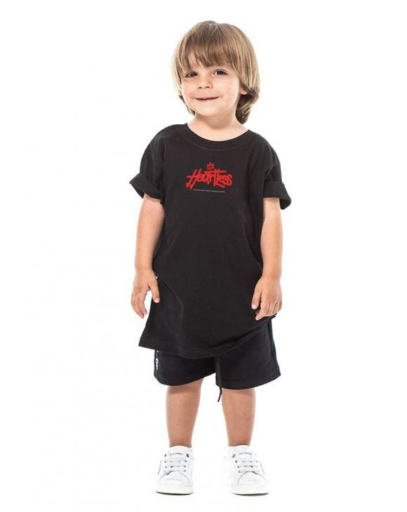 CAMISETA NEGRA HEARTLESS PARA NIÑOS