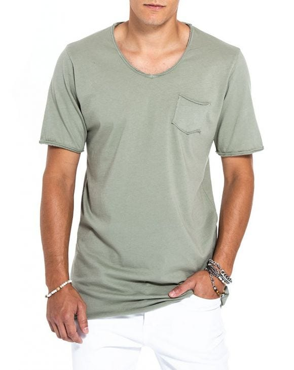 DYLAN POCKET T-SHIRT IN MILITARY GREEN