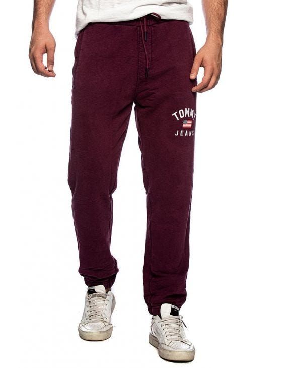 TJM WASHED LOGO SWEATPANTS IN BURGUNDY