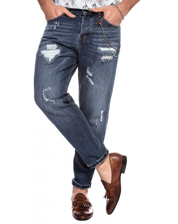 BRET DISTRESSED JEANS IN LIGHT BLUE