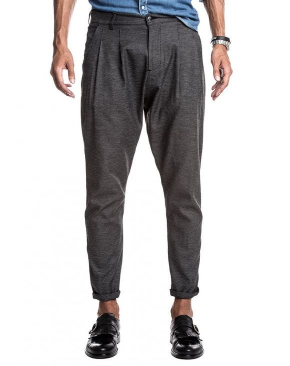 PLEATED PANTS IN CHARCOAL