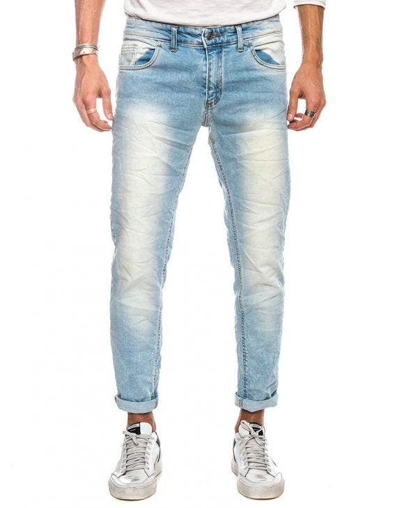 KAUPO RIPPED JEANS IN LIGHT BLUE