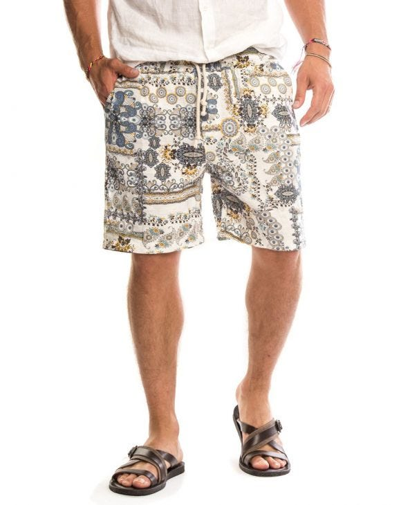 HALE SHORTS IN WHITE
