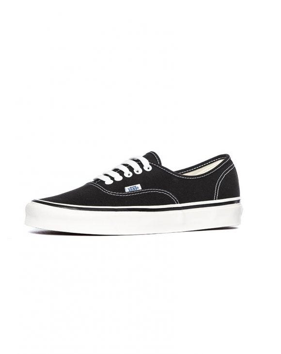 UA AUTHENTIC 44 DX IN BLACK
