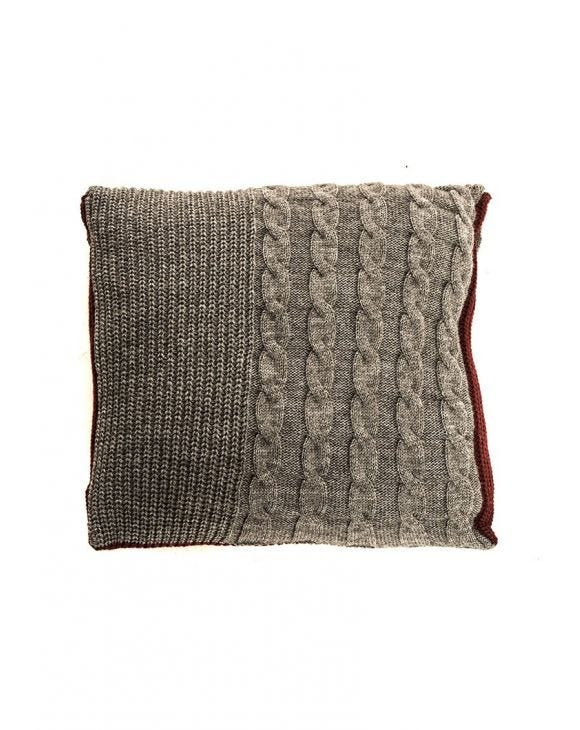 CHUNKY KNIT PILLOW IN GREY