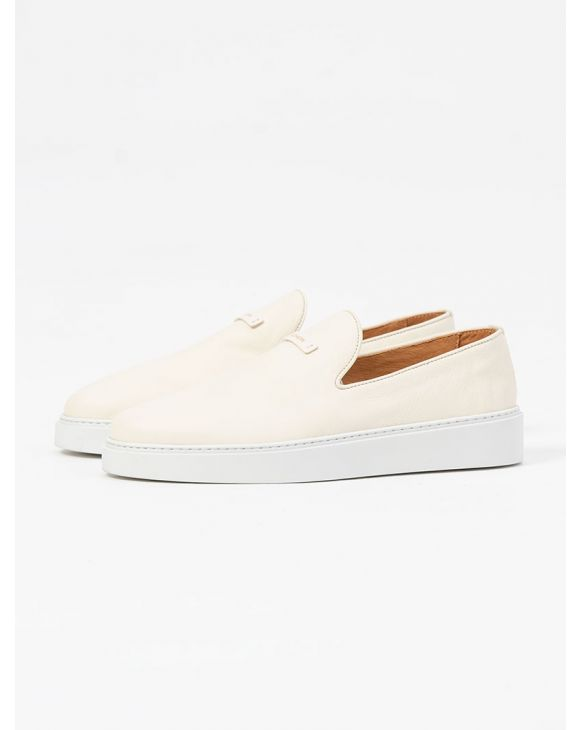 SLIP-ON LEATHER SHOES IN LIGHT CREAM
